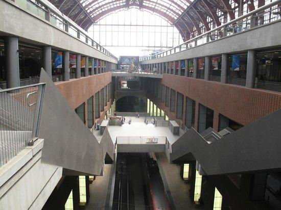 Gare centrale : Niveau's. Erg handig.