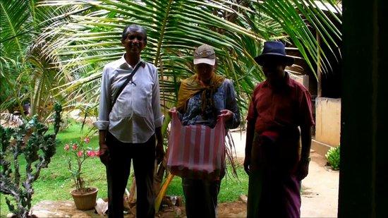 Medalanda Eco Resort: Le boss et SUNIL son manager.