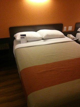 Motel 6 Los Angeles LAX: Удобнейшая кровать