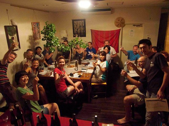 Sen Guesthouse : sake party