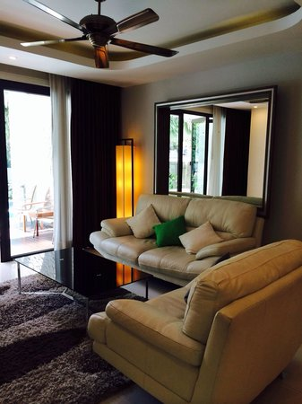 Living room(one bedroom Deluxe Suite)