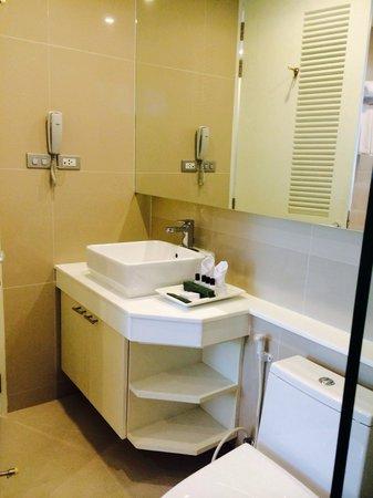 Wyndham Sea Pearl Resort Phuket: Bathroom