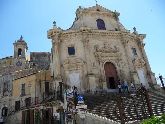 Hotel dell'Orologio : chiesa ss. anime