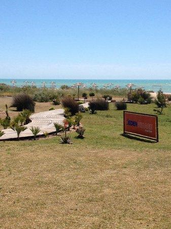 Eden Village Sikania Resort & SPA : Verso la spiaggia