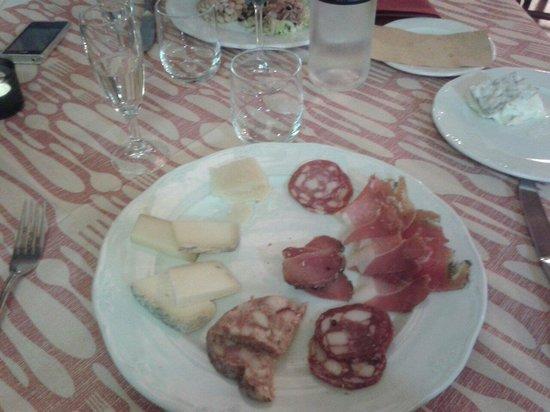 """Osteria """"da mi pa"""": Affettati e formaggi...   ...E che formaggi ♥"""