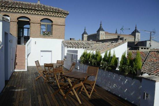 Oasis Backpackers' Hostel Toledo: Terraza