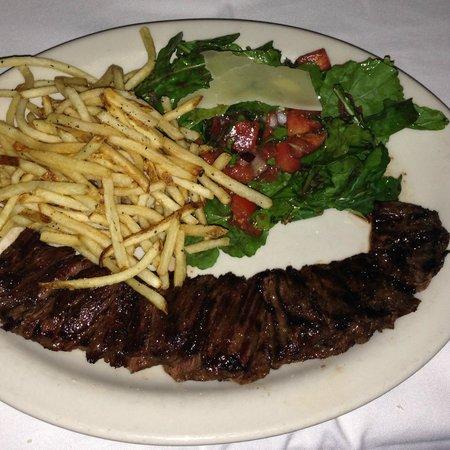 Bistro Mezzaluna Restaurant: Skirt Steak With Arugula Salad