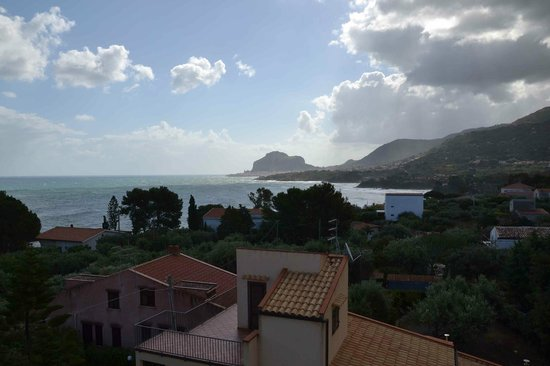 Hotel Baia del Capitano: Vista terrazza su Cefalù