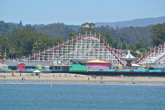 Santa Cruz Wharf : view of the boardwalk