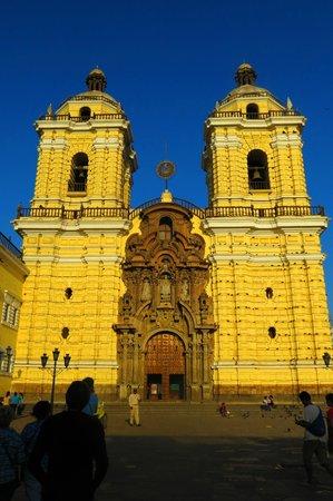 Iglesia y Convento de San Francisco : Church belfries