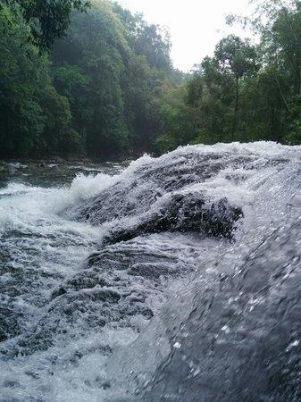 Mawlynnong Waterfall: Breathtaking