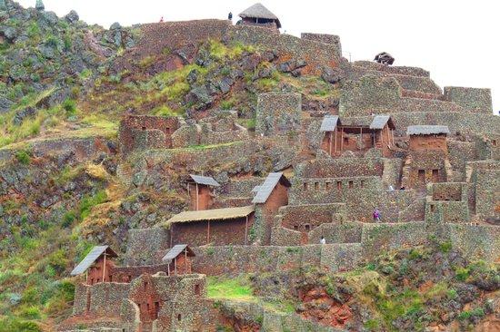 Pisac: Mountain-top ruins