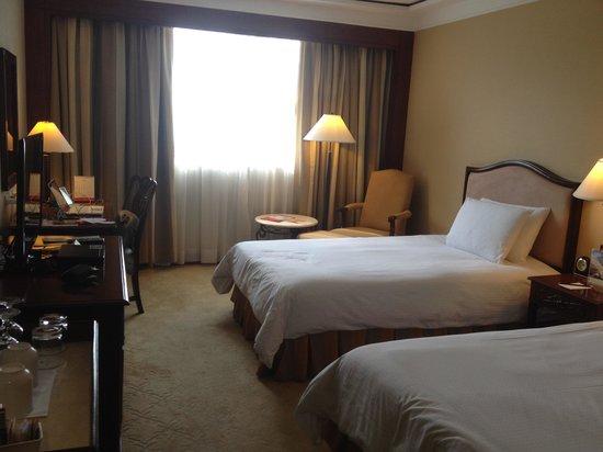 Marco Polo Plaza Cebu: Ample sized room