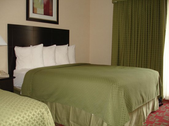 Quality Inn Shelburne: our cozy, comfortable room