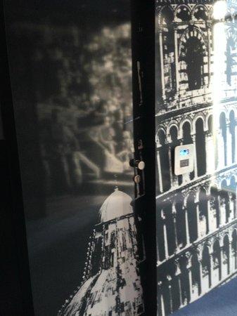 Hotel San Ranieri: Porta di ingersso della camera