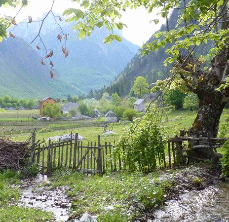 Valbona, Albania: Quku i Valbones Farmhouse & Rezidenca Buildings