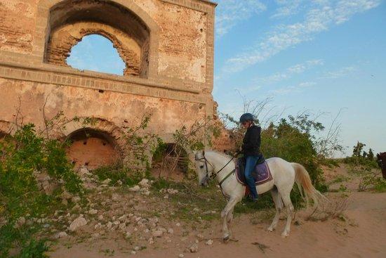 """Equi Evasion: Diese Ruine soll Jimi Hendrix zu seinem Song """"Castles Made Of Sand"""" inspiriert haben..."""