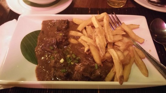 "The House Restaurant & Belgian Beer Bar: French fries with ""Stoofvlees"""