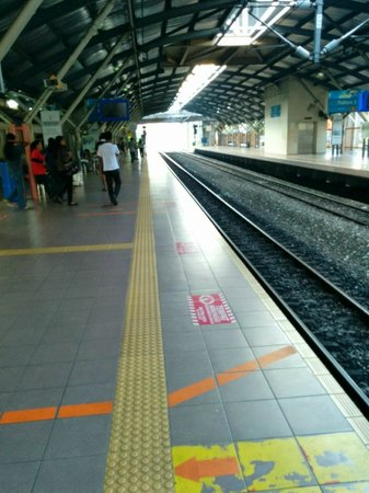 Cititel Mid Valley : Mid Valley KMT station, hot and not well ventilated
