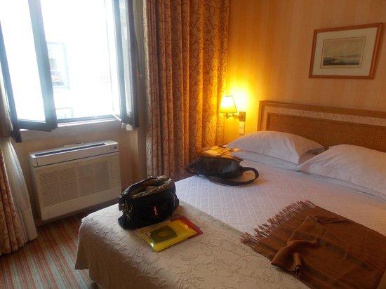 Hotel Lisboa Plaza: Quarto familiar, muito confortável