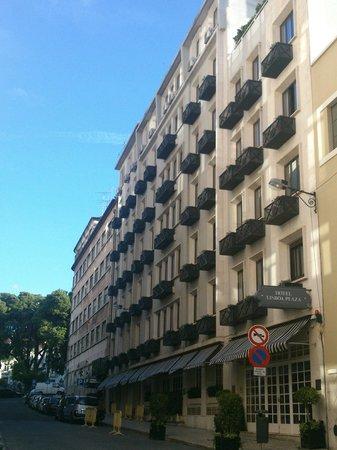 Hotel Lisboa Plaza : Fachada durante o dia