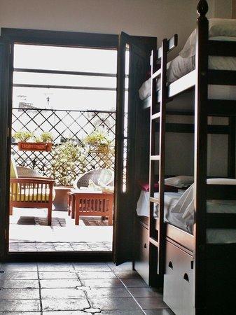 Oasis Backpackers' Hostel Granada: Room 10