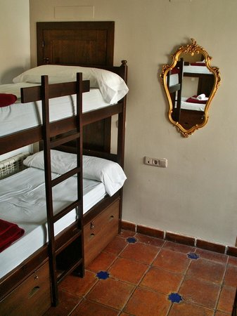 Oasis Backpackers' Hostel Granada: Dorm