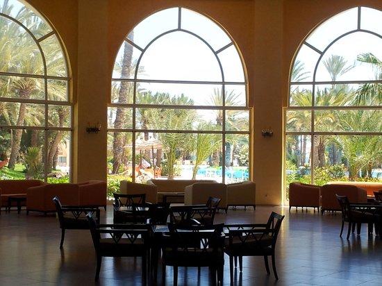 Zita Beach Resort: hall d'accueil !
