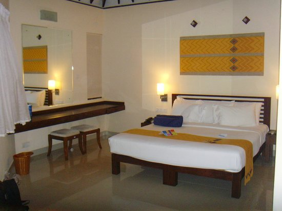 Club Hotel Dolphin: Specious bedroom