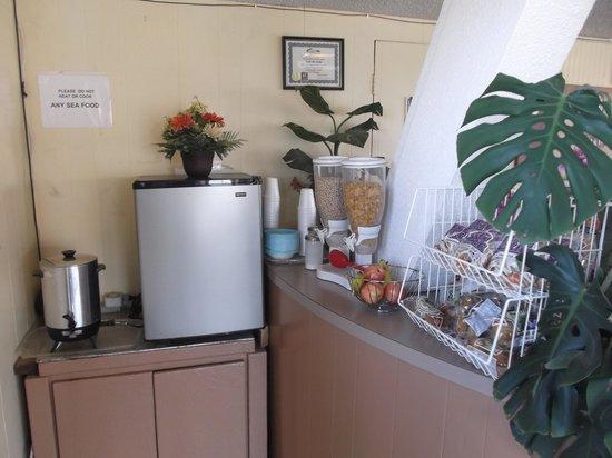 Friendship Inn Torch Lite Lodge: Rincon del desayuno muy limpio y acogedor.