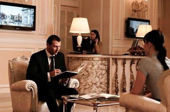 Grand Hotel Continental: Reception
