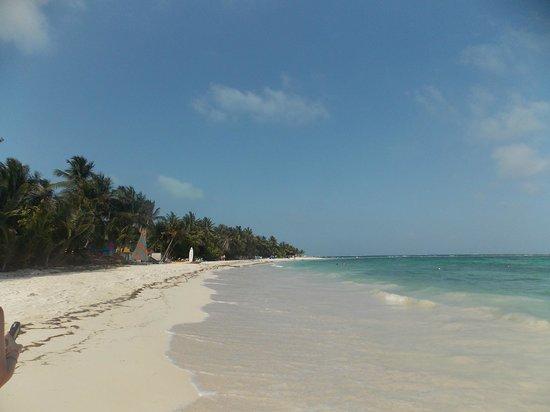 Sol Caribe San Andres: Paseo por la playa