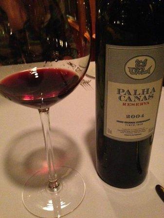 Royal Grill Room & Wine Cellar : Португальское вино под стейк