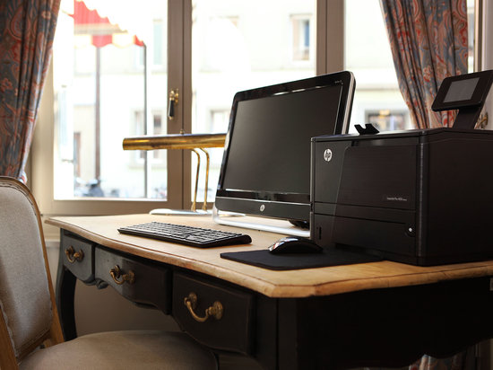 Hotel Montana: Business Corner Free WIFI