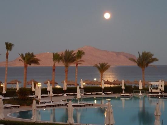 Baron Resort Sharm El Sheikh: full moon from balcony