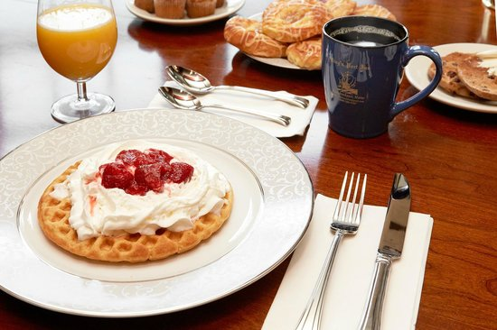 King's Port Inn : Breakfast