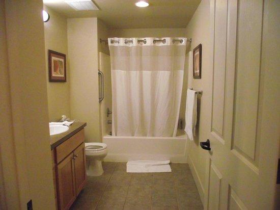 WorldMark Windsor : Second bathroom