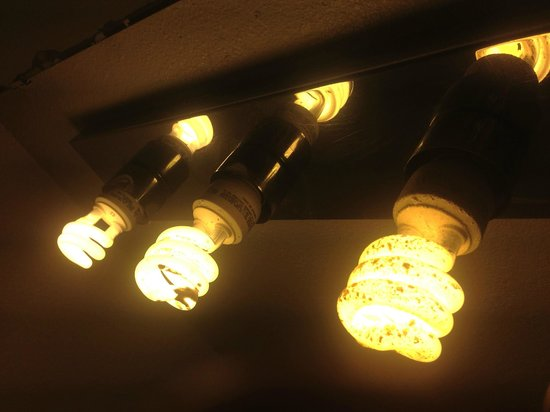 Varsity Motel: These bulbs are unbelievably tacky in a fixture that needs decorator bulbs!
