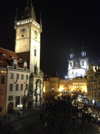 Old Town Square : астрономические часы