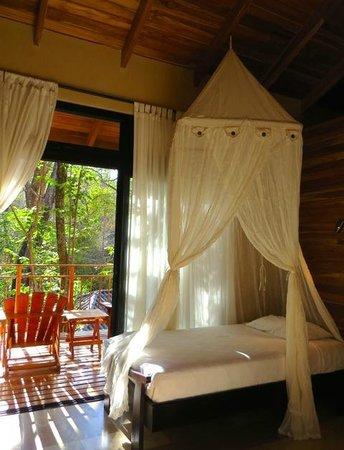 The Bodhi Tree Yoga Resort : Double deluxe room with balcony