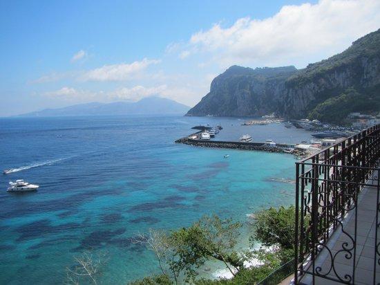 Capri Inn: View of Marina Grande from balcony