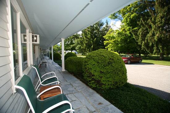 Palmer House: Exterior