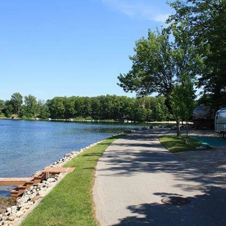 Holiday Park Campground : Some of our camp sites really are that close to Silver Lake.