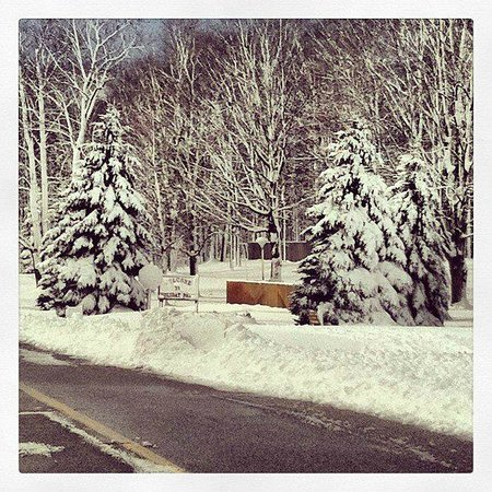 Holiday Park Campground : Early spring at Holiday Park