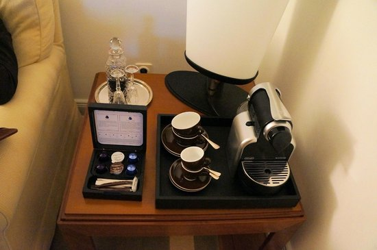 Hotel Louis C. Jacob: Junior suite Nespresso and dessert wine