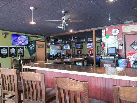 Slim's Place: Sports Bar