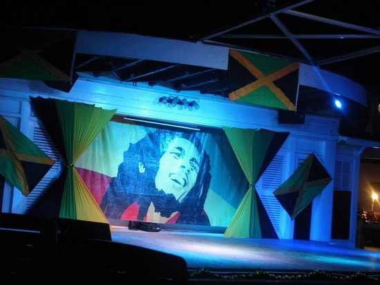 Royal Decameron Club Caribbean: Stage