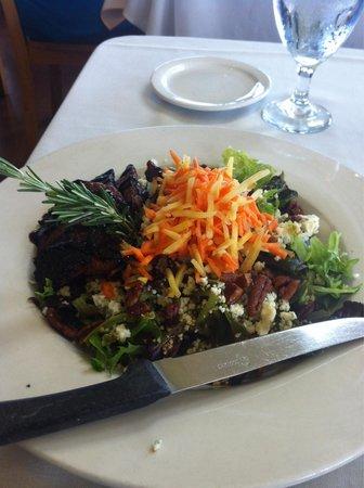 Gordon's on Blueberry Hill: Marinated Steak Salad