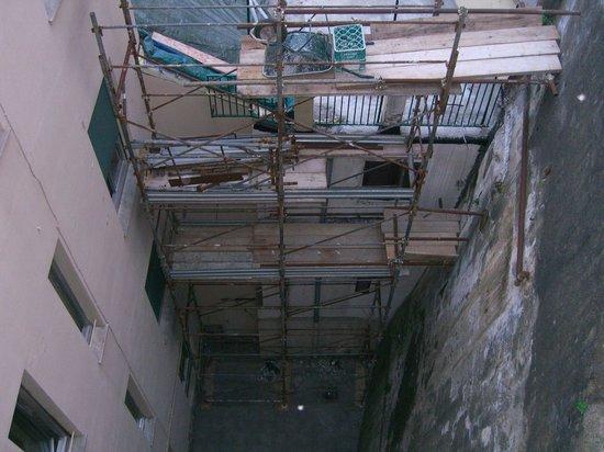 Hotel Vittoria Orlandini : вид из окна вниз