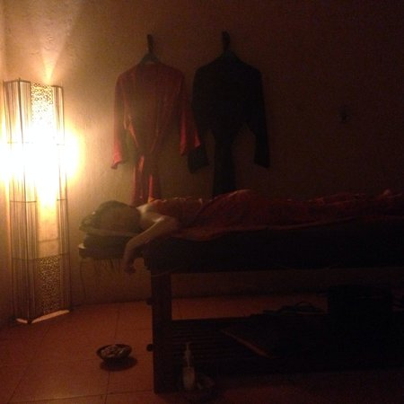 Soma Massage & Spa: Look for Molia and Yuni for great experience